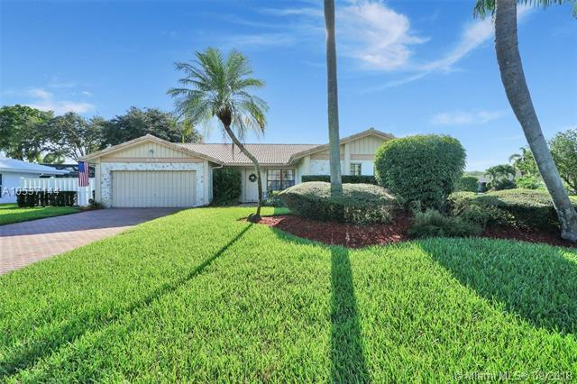 219 NW 92nd Ave, Coral Springs, FL 33071 (MLS #A10537144) :: The Teri Arbogast Team at Keller Williams Partners SW