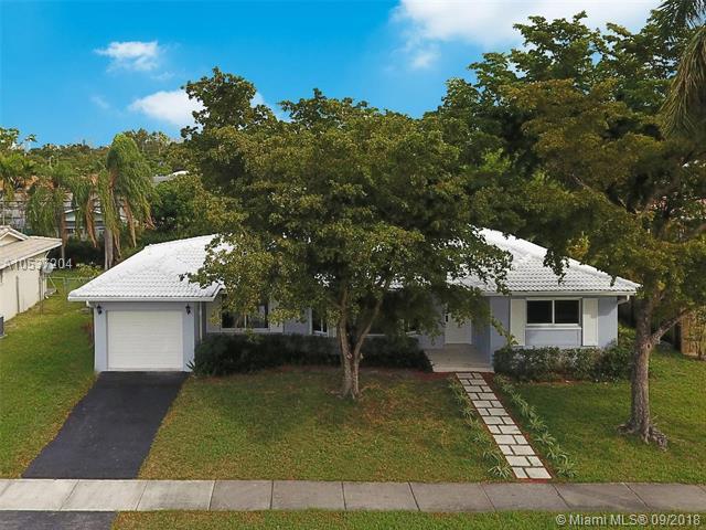 20515 Highland Lakes Blvd, North Miami Beach, FL 33179 (MLS #A10537204) :: The Riley Smith Group
