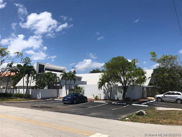1951 NE 51st St, Fort Lauderdale, FL 33308 (MLS #A10537212) :: Stanley Rosen Group
