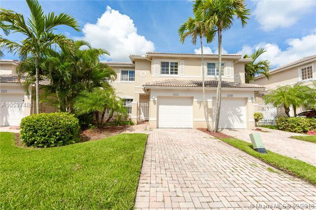 17111 NW 23rd St, Pembroke Pines, FL 33028 (MLS #A10537486) :: Stanley Rosen Group