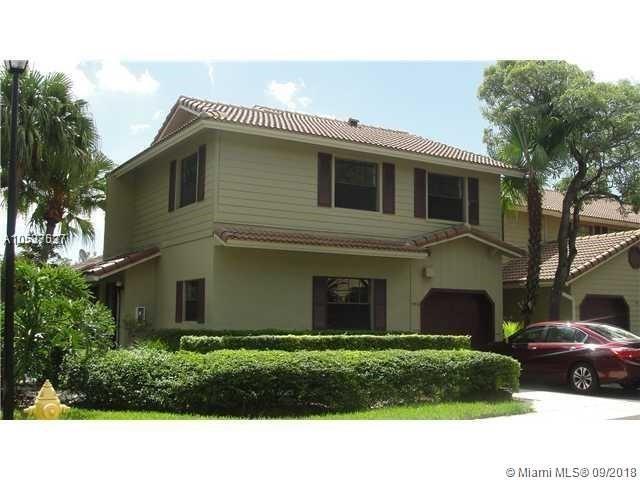 9076 Vineyard Lake Dr 941-01, Plantation, FL 33324 (MLS #A10537537) :: Green Realty Properties