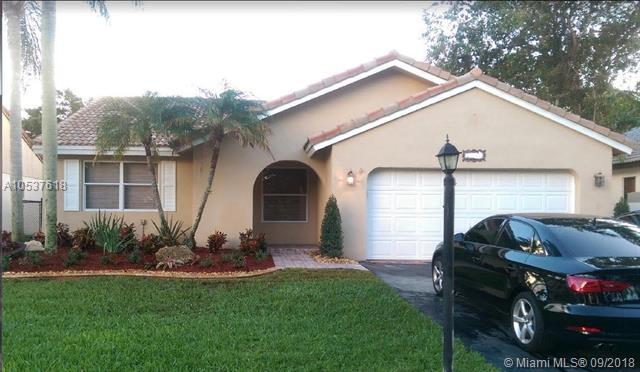 15610 Gauntlet Hall Mnr, Davie, FL 33331 (MLS #A10537618) :: Stanley Rosen Group