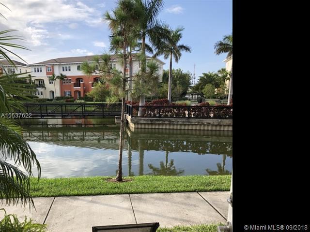 195 SW 7th St, Pompano Beach, FL 33060 (MLS #A10537622) :: Stanley Rosen Group