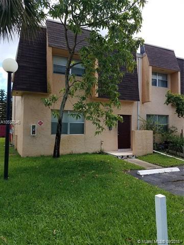 5843 Blueberry Ct #78, Lauderhill, FL 33313 (MLS #A10537846) :: Stanley Rosen Group
