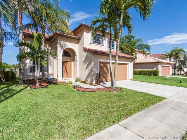 1332 SW 181st Avenue, Pembroke Pines, FL 33029 (MLS #A10537918) :: Green Realty Properties