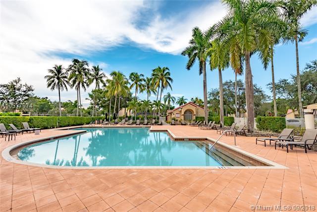 911 Lyons Rd #2205, Coconut Creek, FL 33063 (MLS #A10537974) :: Green Realty Properties