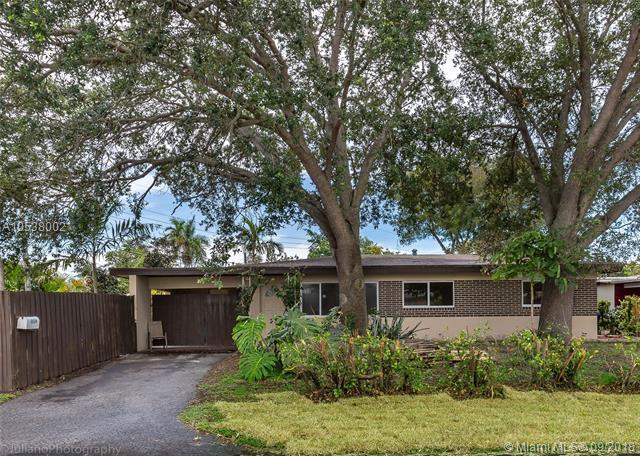 2916 NE 1st Ave, Wilton Manors, FL 33334 (MLS #A10538002) :: Green Realty Properties