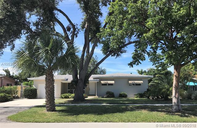 1019 SE 7th Ct, Deerfield Beach, FL 33441 (MLS #A10538051) :: Stanley Rosen Group