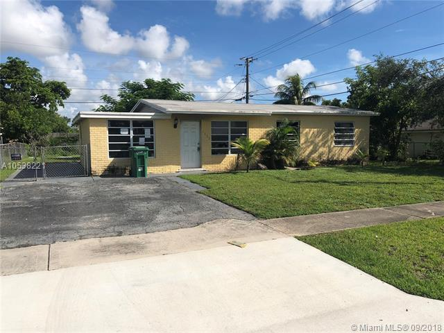 6111 SW 38th Ct, Davie, FL 33314 (MLS #A10538221) :: The Chenore Real Estate Group