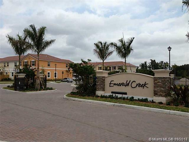 140 Emerald Creek Ter #140, Plantation, FL 33325 (MLS #A10538258) :: Green Realty Properties