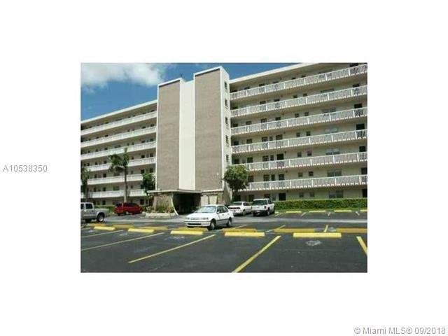 300 NE 12th Ave #101, Hallandale, FL 33009 (MLS #A10538350) :: The Chenore Real Estate Group