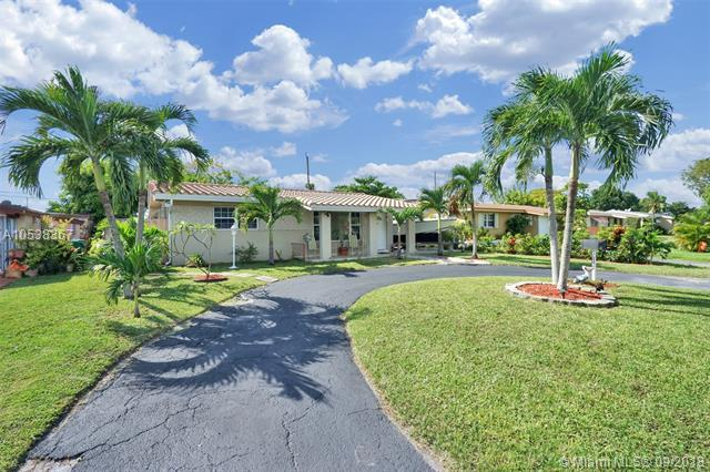 2718 Alcazar Dr, Miramar, FL 33023 (MLS #A10538367) :: Hergenrother Realty Group Miami