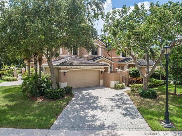 2739 Center Ct Dr 3-18, Weston, FL 33332 (MLS #A10538384) :: Hergenrother Realty Group Miami