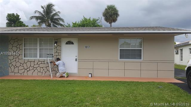 1917 SW 67th Ave, North Lauderdale, FL 33068 (MLS #A10538403) :: Stanley Rosen Group