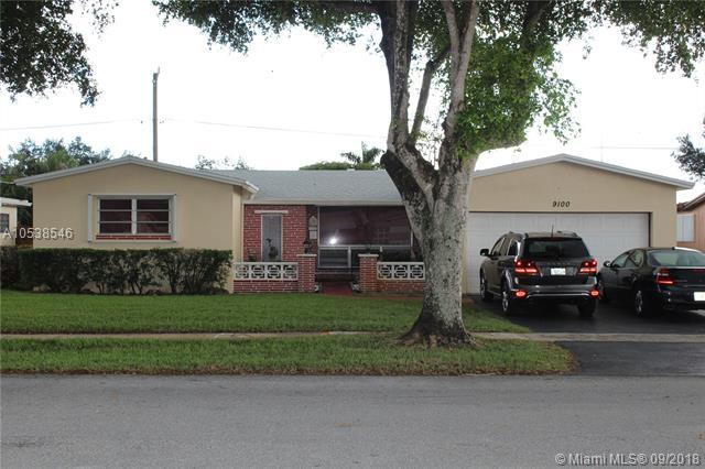 9100 SW 55th St, Cooper City, FL 33328 (MLS #A10538546) :: Green Realty Properties