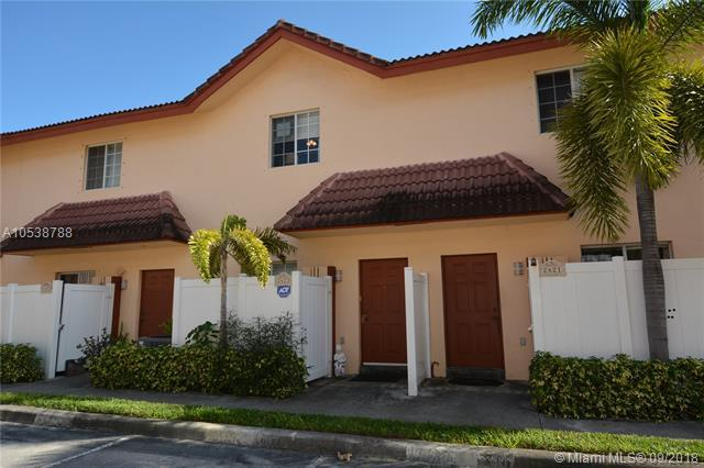 2423 NE 14th St Cswy, Pompano Beach, FL 33062 (MLS #A10538788) :: Green Realty Properties