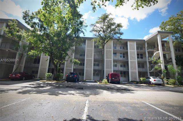 4850 NW 29th Ct #119, Lauderdale Lakes, FL 33313 (MLS #A10538801) :: Stanley Rosen Group