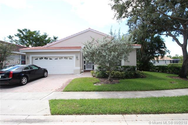 1606 SW 149th Ave, Pembroke Pines, FL 33027 (MLS #A10538819) :: Calibre International Realty