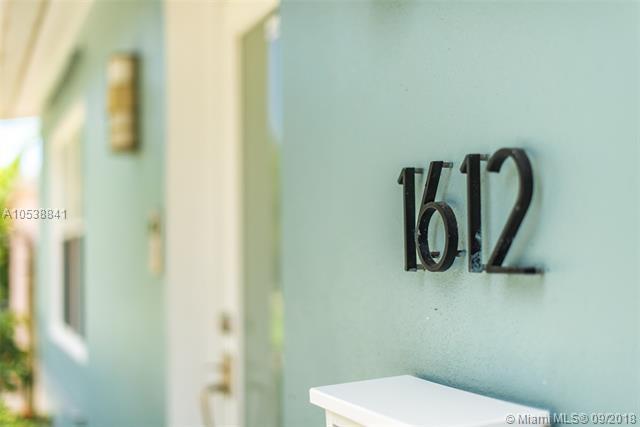 1612 SW 10th St, Fort Lauderdale, FL 33312 (MLS #A10538841) :: Stanley Rosen Group