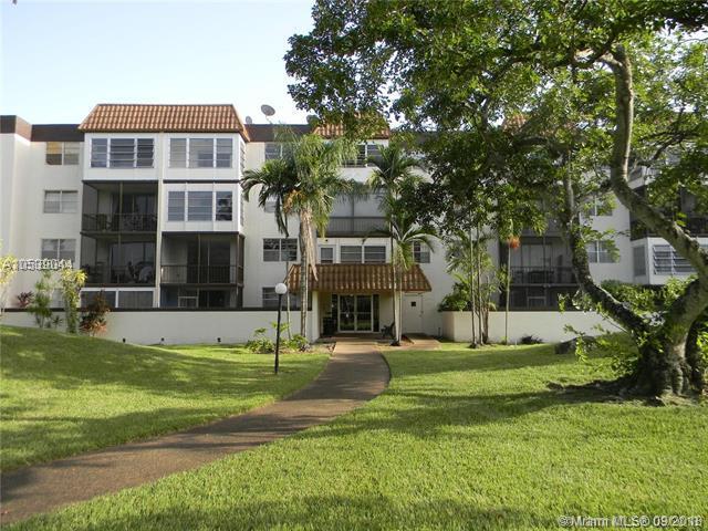 7100 NW 17th Street #114, Plantation, FL 33313 (MLS #A10539044) :: Green Realty Properties