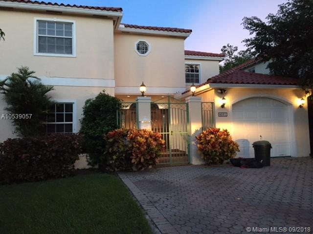 4001 Toledo, Coral Gables, FL 33146 (MLS #A10539057) :: The Riley Smith Group