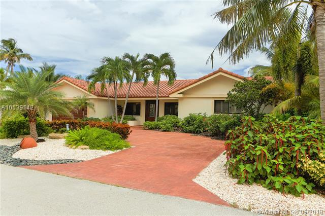 3720 NE 28th Ave, Lighthouse Point, FL 33064 (MLS #A10539142) :: The Riley Smith Group