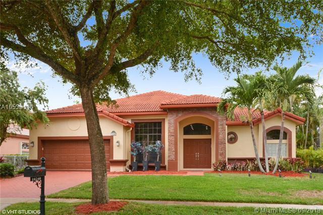10240 Lexington Estates Blvd, Boca Raton, FL 33428 (MLS #A10539190) :: Stanley Rosen Group