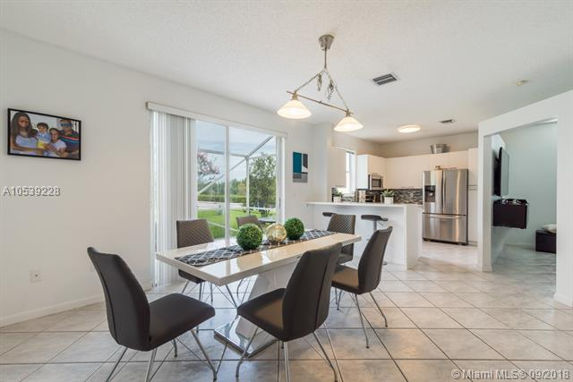 15407 NW 14th St #15407, Pembroke Pines, FL 33028 (MLS #A10539228) :: Hergenrother Realty Group Miami