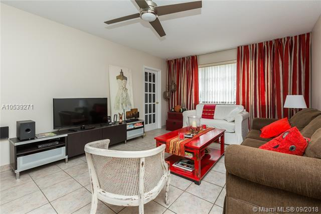 2300 Park Lane #212, Hollywood, FL 33021 (MLS #A10539271) :: Stanley Rosen Group