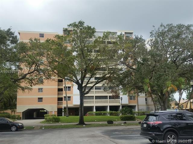 3301 Spanish Moss Te #504, Lauderhill, FL 33319 (MLS #A10539310) :: Green Realty Properties
