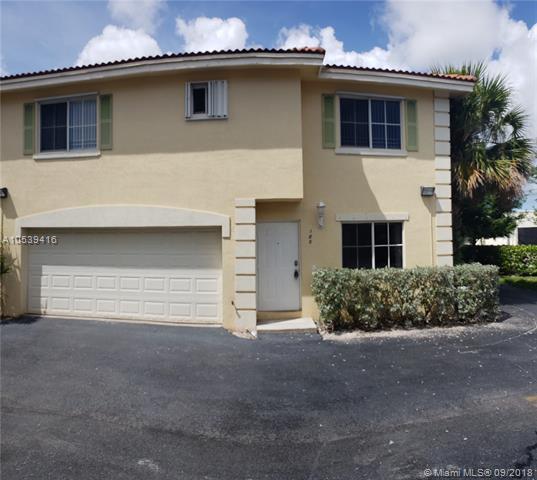 180 SE 2nd St, Deerfield Beach, FL 33441 (MLS #A10539416) :: Green Realty Properties