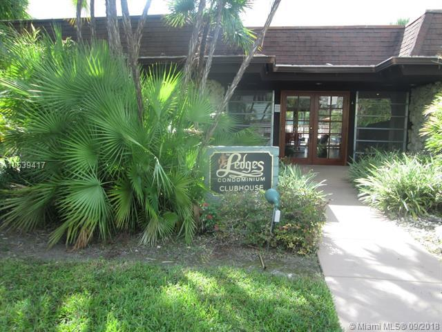 8305 SW 72nd Ave 110A, Miami, FL 33143 (MLS #A10539417) :: The Teri Arbogast Team at Keller Williams Partners SW