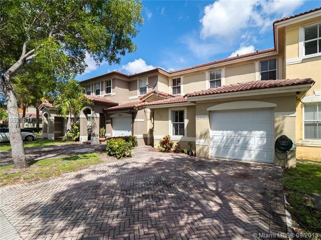 16555 SW 48th Ter, Miami, FL 33185 (MLS #A10539517) :: Stanley Rosen Group