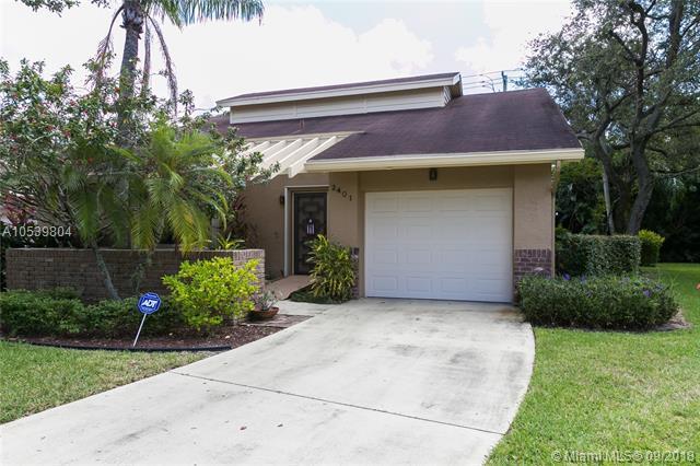2401 Ginger Ave, Coconut Creek, FL 33063 (MLS #A10539804) :: Stanley Rosen Group