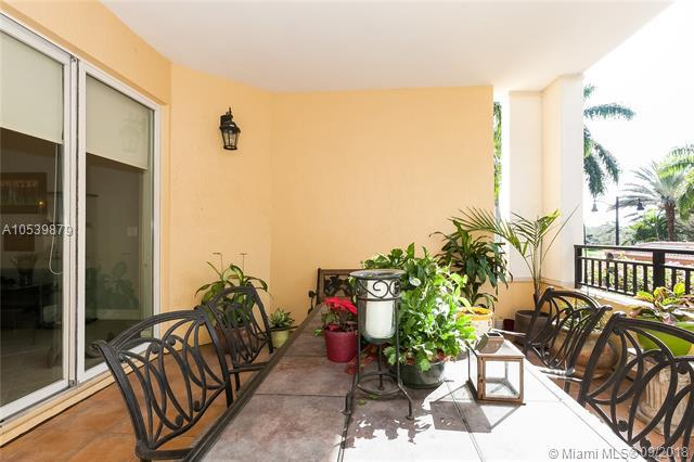 16100 Emerald Estates Dr #282, Weston, FL 33331 (MLS #A10539879) :: Green Realty Properties