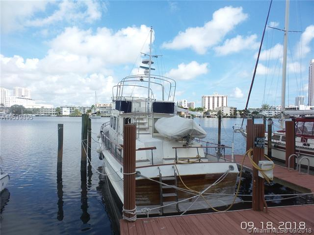 200 Golden isles Dr, Hallandale, FL 33009 (MLS #A10539895) :: The Chenore Real Estate Group