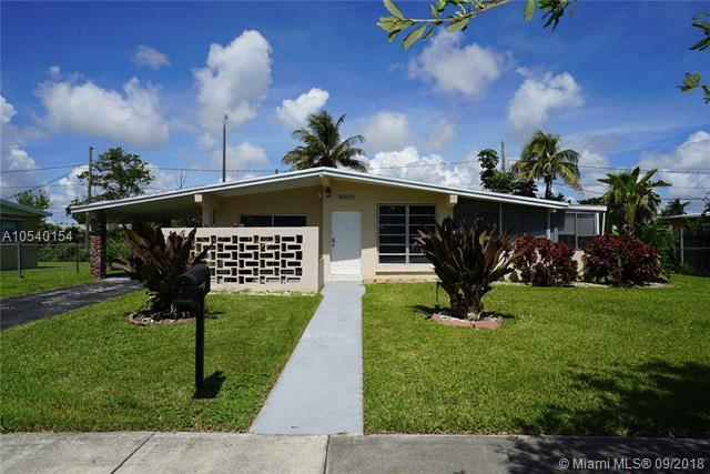 10001 Bahama Dr, Cutler Bay, FL 33189 (MLS #A10540154) :: Stanley Rosen Group