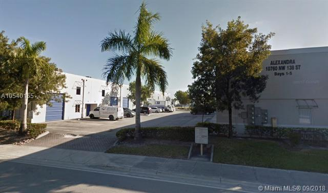10750 NW 138th St, Hialeah Gardens, FL 33018 (MLS #A10540165) :: Stanley Rosen Group
