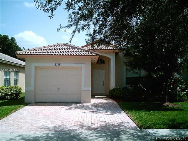 17088 NW 11TH ST, Pembroke Pines, FL 33028 (MLS #A10540170) :: The Chenore Real Estate Group