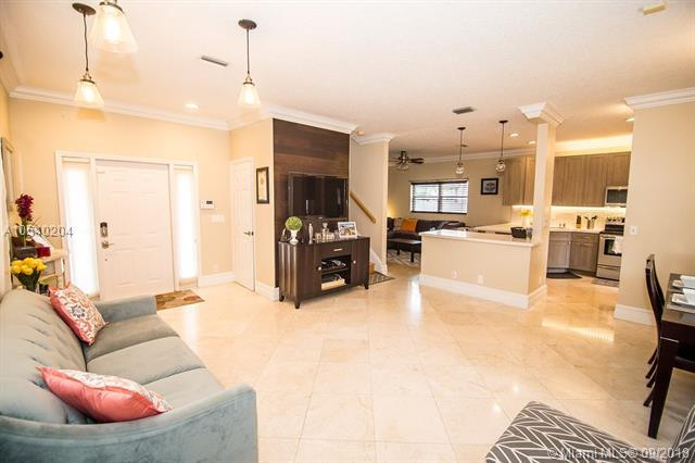 3589 Simms St, Hollywood, FL 33021 (MLS #A10540204) :: Hergenrother Realty Group Miami
