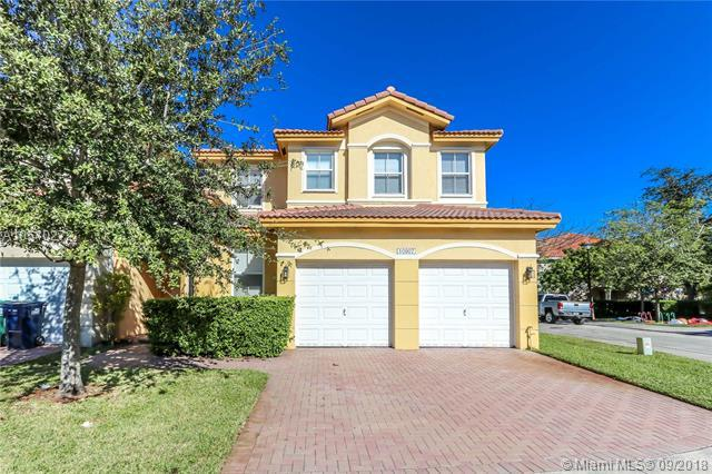 10907 NW 87th Ln, Doral, FL 33178 (MLS #A10540272) :: Green Realty Properties