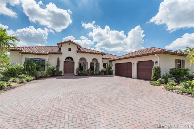 8810 Parkside Estates Dr, Davie, FL 33328 (MLS #A10540319) :: Stanley Rosen Group