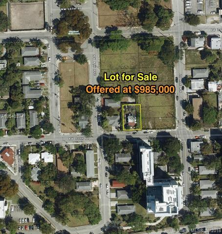 771 NW 12th St, Miami, FL 33136 (MLS #A10540374) :: Stanley Rosen Group