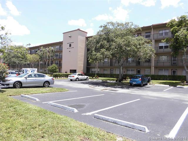 551 SW 135th Ave 214B, Pembroke Pines, FL 33027 (MLS #A10540467) :: Green Realty Properties