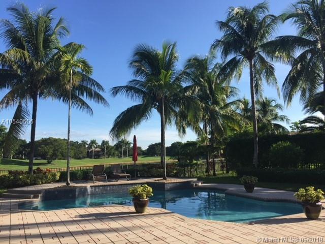 2662 Riviera Mnr, Weston, FL 33332 (MLS #A10540506) :: The Chenore Real Estate Group