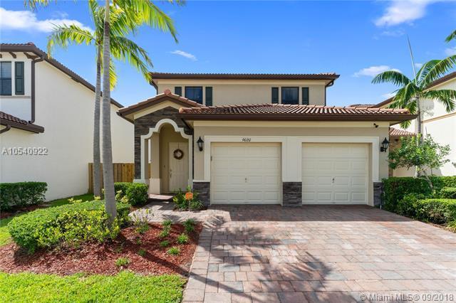 9020 SW 227th Ln, Cutler Bay, FL 33190 (MLS #A10540922) :: Green Realty Properties