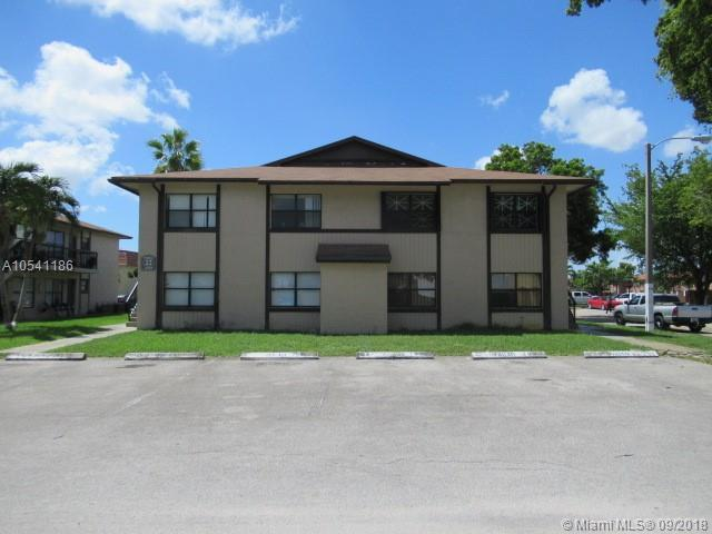 2725 W 66th St 24-22, Hialeah, FL 33016 (MLS #A10541186) :: Hergenrother Realty Group Miami