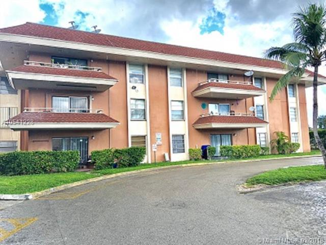 17650 NW 68th Ave A3003, Hialeah, FL 33015 (MLS #A10541228) :: Hergenrother Realty Group Miami
