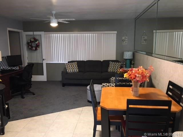 1400 S 19 Ave #6, Hollywood, FL 33020 (MLS #A10541458) :: Hergenrother Realty Group Miami