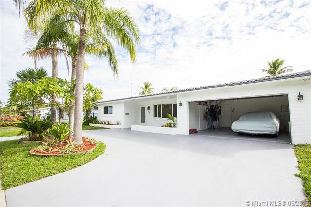 800 S Rainbow Dr, Hollywood, FL 33021 (MLS #A10541668) :: Hergenrother Realty Group Miami